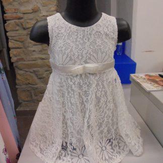 8b13f616f987 Biele čipkované šaty pre najmenšie detičky