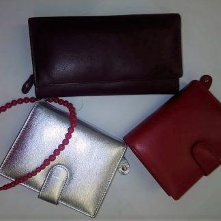 Dámske peňaženky a doplnky